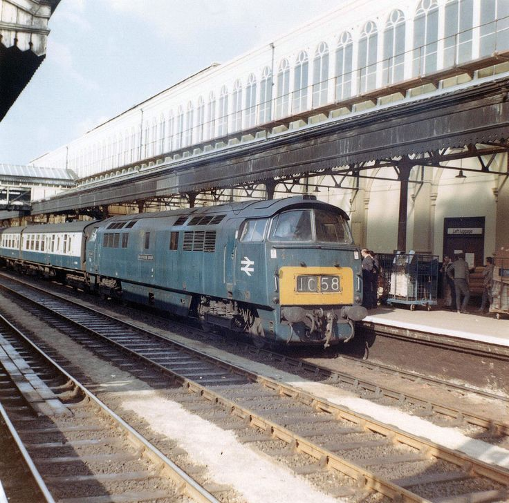 D1047 'Western Lord' at Exeter St Davids on 29th Aug 1969. (Fred Castor)