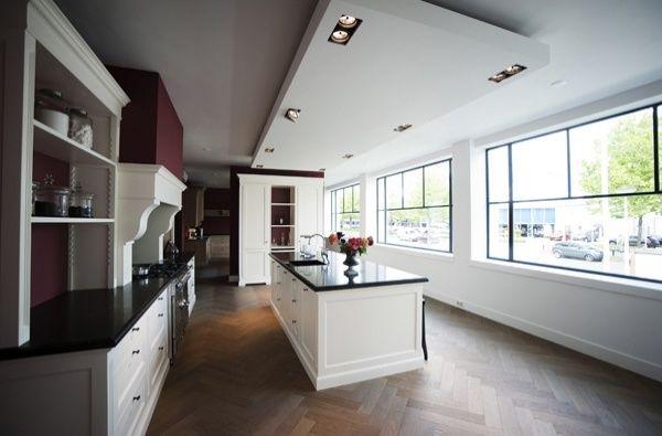 luxe keuken showroom (2) jpg 600 u00d7395 pixelpaulvandekooij nl   Keuken   Pinterest