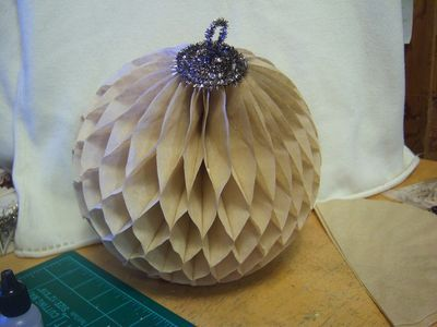 """Donna's tutorial on """"How to make her awesome honeycomb paper balls"""" with dyed coffee filters and tinsel pipe cleaners!"""