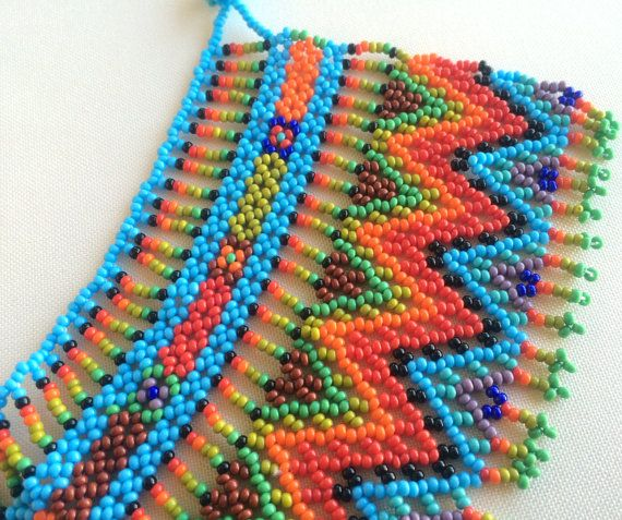 Mexican Huichol Beaded Choker / Necklace por Aramara en Etsy