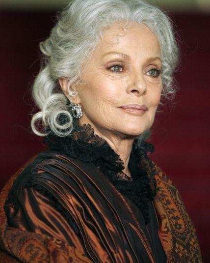 *-* Virna Lisi - uniFrance Films - 18. december 2014 - 23:10  Rodáčka z Ancony, pôvodným menom Virna Lisa Pieralisiová, sa pred filmovými kamerami ocitla už v prvej polovici 50. rokov 20. storočia.