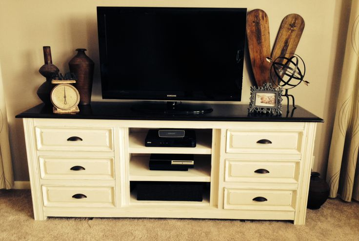 Hemnes Tv Stand Craigslist : Old dresser turned into tv stand  console Cece cadwells chalk paint