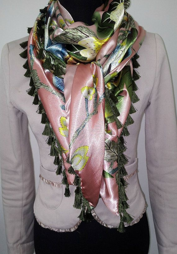 Pink floral shawl by Beadsagogo on Etsy, $48.00