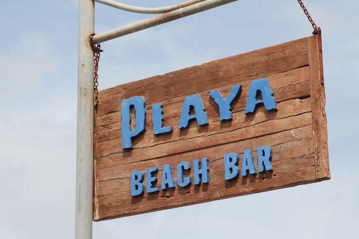 Für mich ist die PLAYA BEACH BAR eine Wohlfühloase undsomit eine meiner Lieblings Chiringuitos auf Mallorca. Sie befindet sich in sa Marjal – es Ribell an der Costa de los Pinos. Es ist ein langer und schmaler Strand mit feinem gräulichen Sand,  der durch die Ansammlung organischer Reste von Neptungras entsteht. Der Strand ist naturbelassen. Idyllisch eingebettet von Pinien mit Blick aufs Meer und nach Cala Millor. . Die PLAYA BEACH BAR wirdseit über zwanzig Jahren vonMauri und seiner…