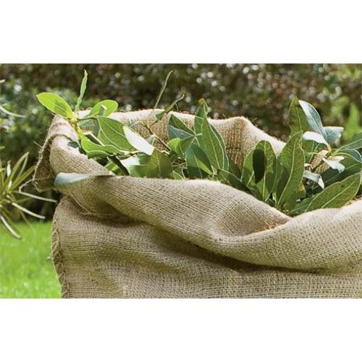 Sacchi in juta ideali per i lavori di giardinaggio e in agricoltura per la conservazione di patate e cereali.