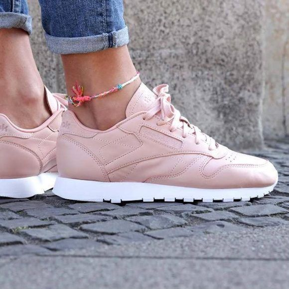 Adidas Women Shoes - Wanted : une paire de baskets Reebok rose clair : www.taaora.fr/... - We reveal the news in sneakers for spring summer 2017