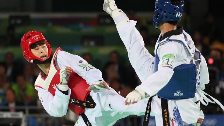 After an evening of thrilling medal matches, South Korea's Kim So-hui and China's Shuai Zhao were awarded gold medals.