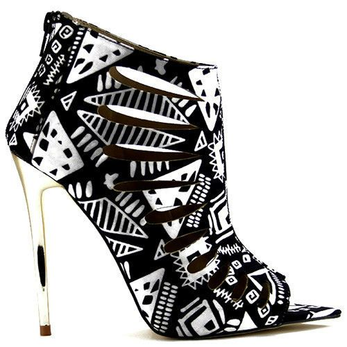 Black and white heels with geometric pattern #cutesyoriginals