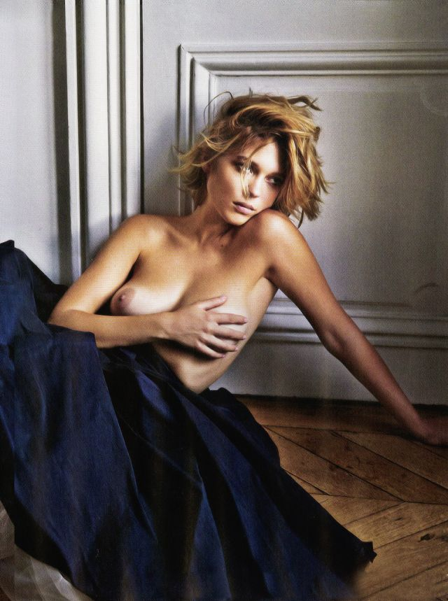lea seydoux nude for him