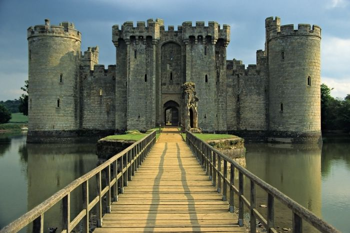 Welcome to another day and another beautiful English castle, today we visit the ancient Bodiam Castle in Sussex, England. Description from versaillestovictoria.com. I searched for this on bing.com/images