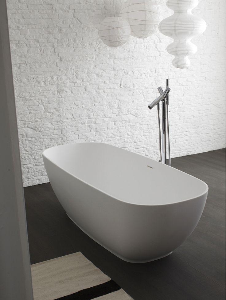Oltre 25 fantastiche idee su mobili da bagno su pinterest - Vasca da bagno freestanding ...