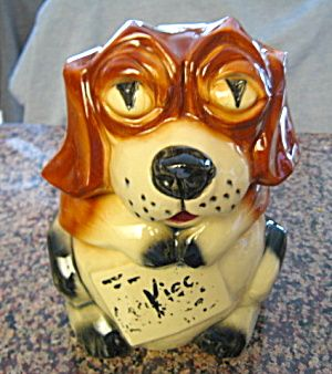 McCoy Pottery beagle cookie jar. Look at that cute face! For sale at More Than McCoy on TIAS at http//www.morethanmccoy.com