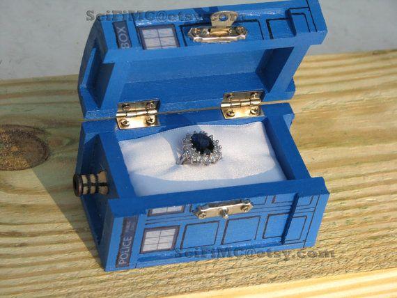 TARDIS inspiré petite boîte peinte de bleu