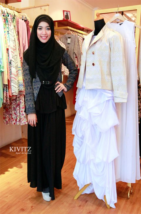 Fitri Aulia, an Indonesian fashion designer. The owner of KIVITZ. https://twitter.com/FitriAulia_ http://kivitz.blogspot.com/