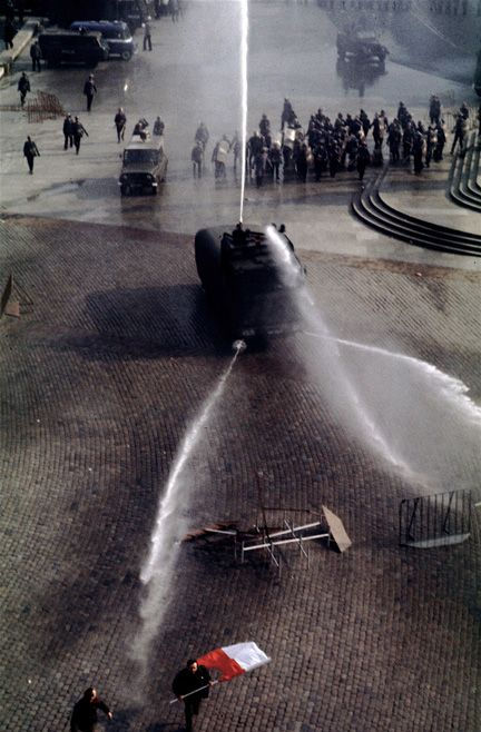 Chris Niedenthal.During martial law, the first serious clash with riot police Solidarity, May 3, 1982, Castle Square, Warsaw