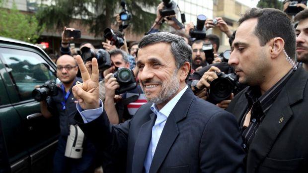 Mahmoud Ahmadinejad Calonkan diri Pilpres 19 Mei
