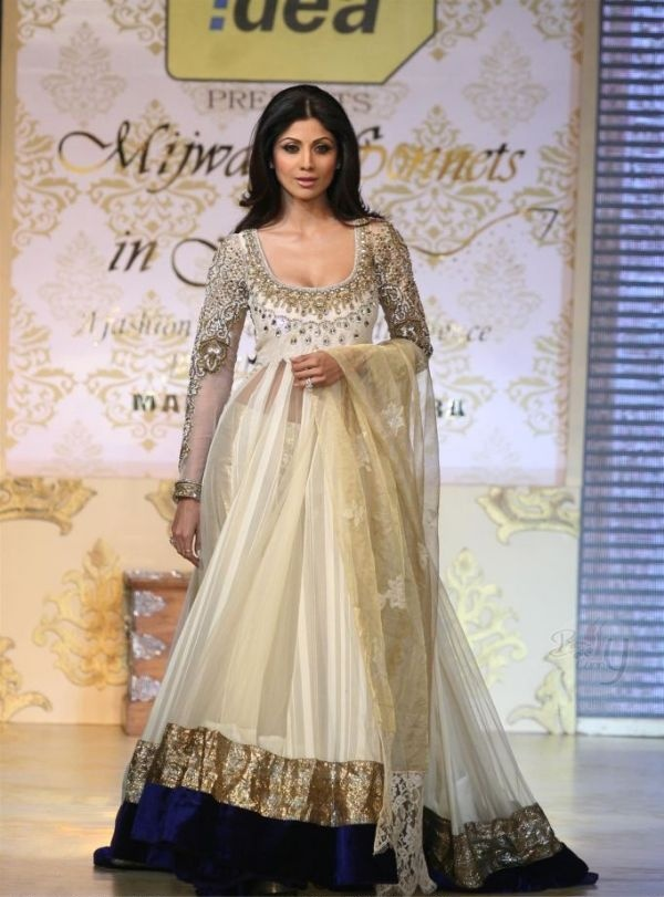 Manish Malhotra #bridal #anarkali #shilpashetty #embelished #navy