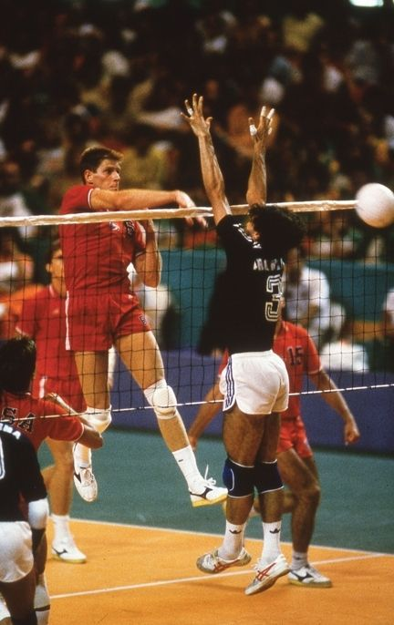 Girls volleyball notes: Marists Maggie Meyer keeps door