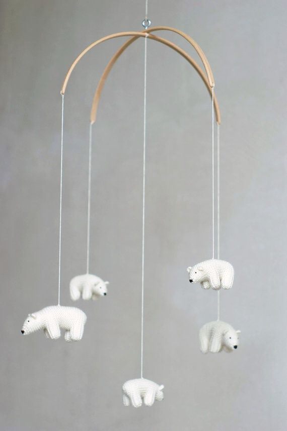 This baby nursery mobile is made to order. It will be done in about 3-4 weeks. Please contact with me for more accurate term. :)  These lovely flying