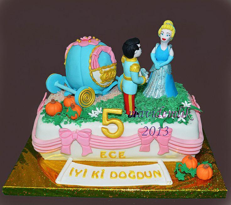 mavi demlik mutfağı- izmir butik pasta kurabiye cupcake tasarım- şeker hamurlu-kur: ECE'NİN 5 YAŞ SİNDİRELLA PASTASI