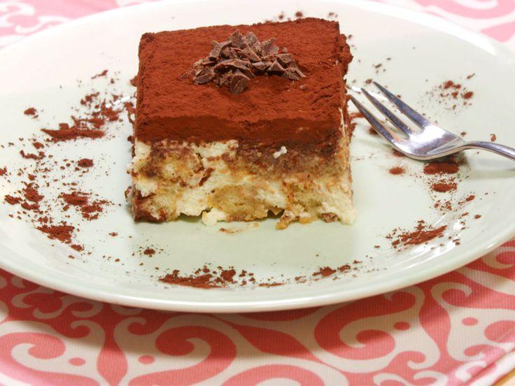 Rohe Eier im Dessert sind Ihnen suspekt? Wie gut, dass viele dieser Süßspeisen auch ohne Ei gelingen, wie etwa Tiramisu. Und so geht Tiramisu ohne Ei.