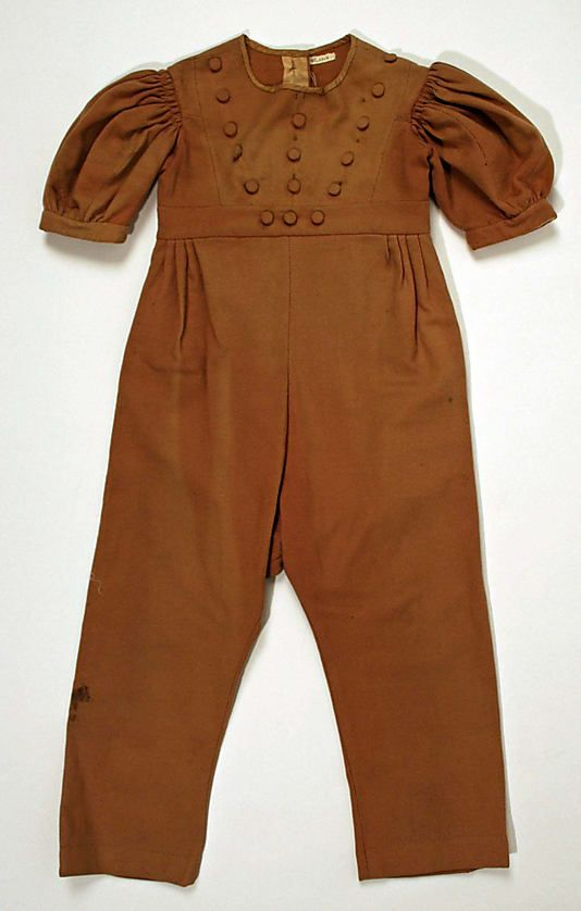 Little boy's brown wool suit, American, 1833-35.