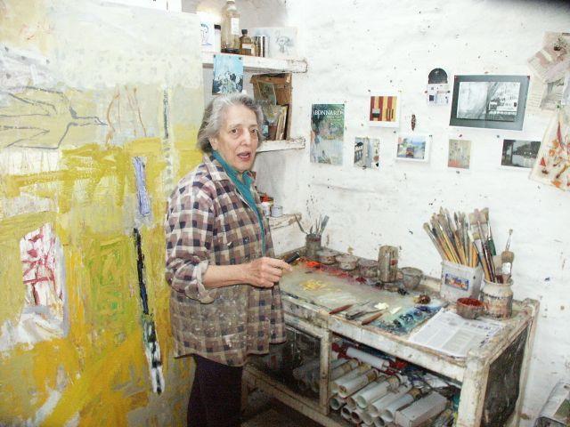 Elisabeth Cummings in her studio