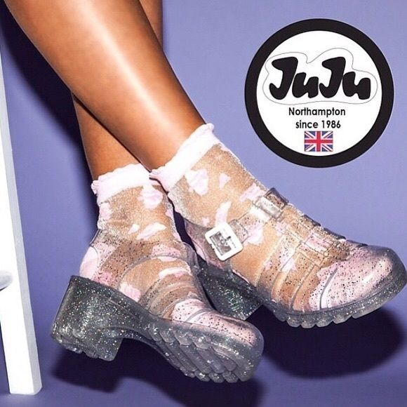 Shop Women's UNIF size 7 Sandals at a discounted price at Poshmark. Description: JuJu brand clear sparkle jelly sandals⭐️ bought from Urban Outfitters not unif and I believe are now sold out online. Worn only once out so are in great condition💞 UK size 4 but I'm a size 7 in US sizes and they fit me perfectly. #90s #retro #urbanoutfitters #unif #jellysandals #americanapparel. Sold by sophsslife. Fast delivery, full service customer support.
