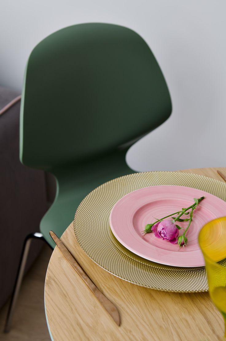 Обеденный стол Спутник в проекте дизайнера Юлии Каманиной