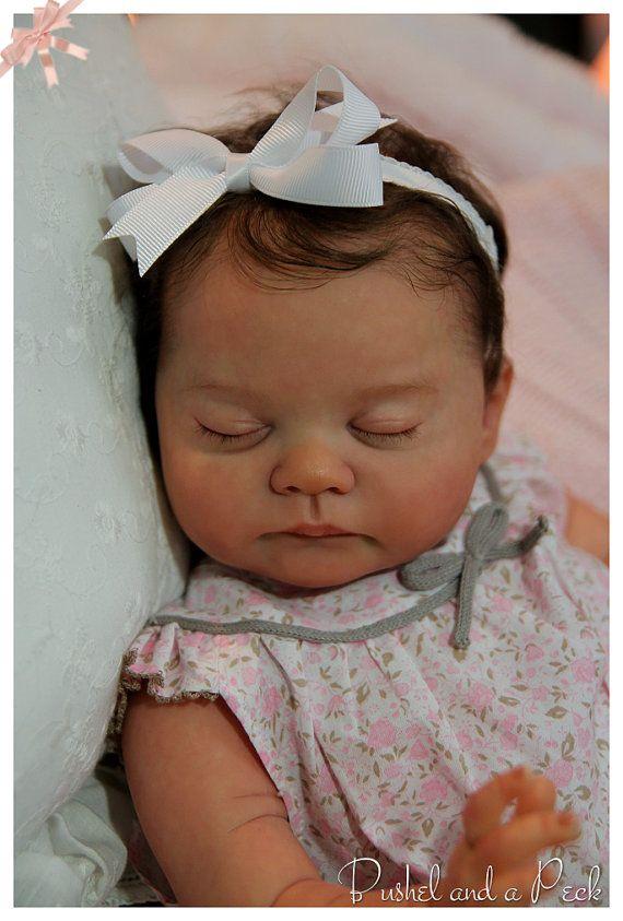Sur commande pour poupée Reborn de Blanca par bushelandapeckdolls                                                                                                                                                                                 Plus