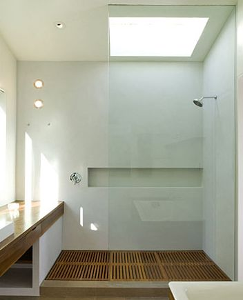 great shower, no door to clean, lots of shelf room, you can turn on with out getting wet, place to sit