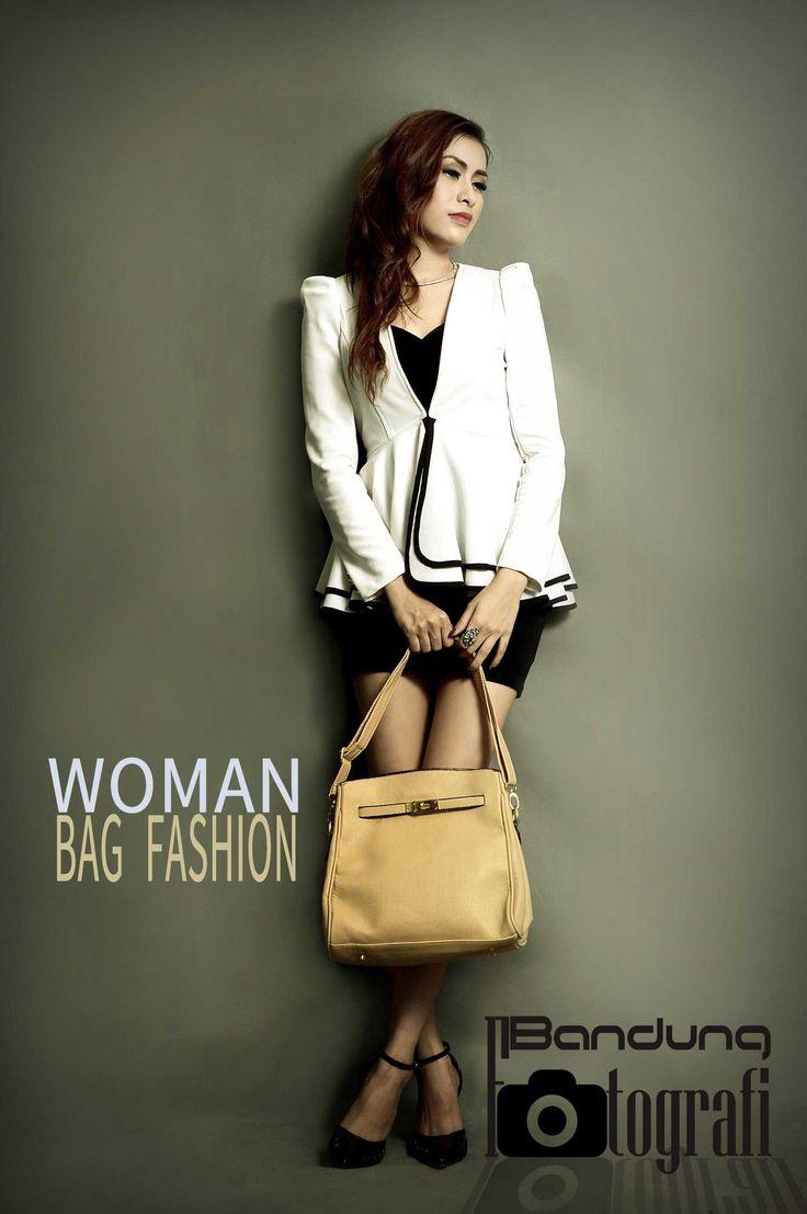 Jasa foto produk fashion tas wanita di Bandung www.bandungfotografi.com  #jasafotoprodukdibandung #bandungfotografi #jasafotokatalogproduk #jasafotokatalogtas