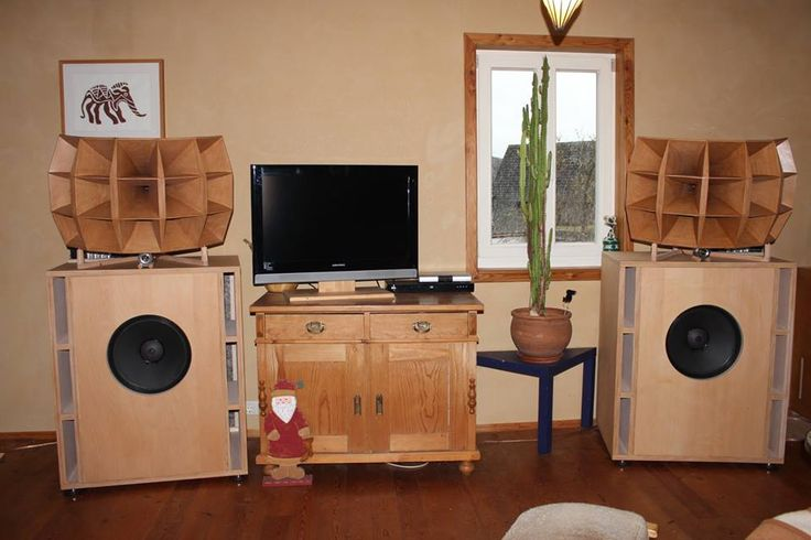 1505B horns built by Markus Klug, posted on The Horn loudspeaker forum of FB
