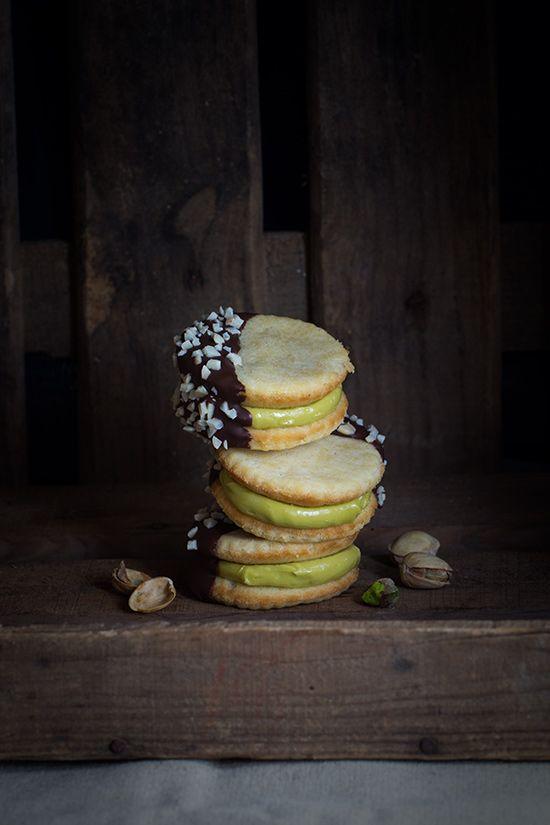 Galletas rellenas de crema de pistacho. Sorteo con Le Creuset