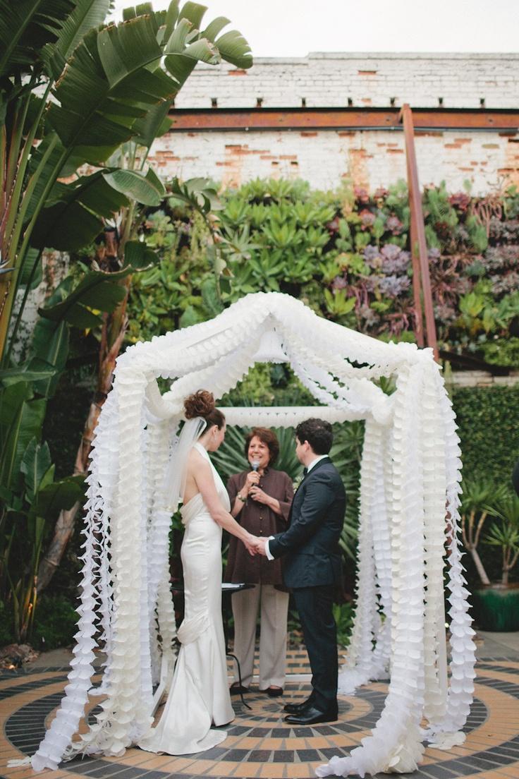 Bonafidebride diy project sweet whimsical paper lanterns - Tissue Garland Ceremony Bash Please