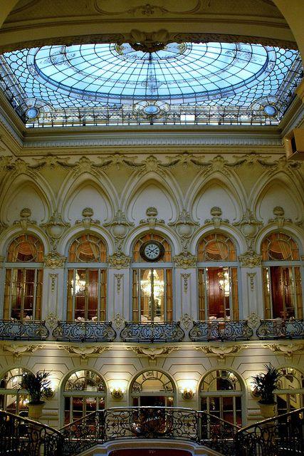 Patio central del Casino de Madrid.