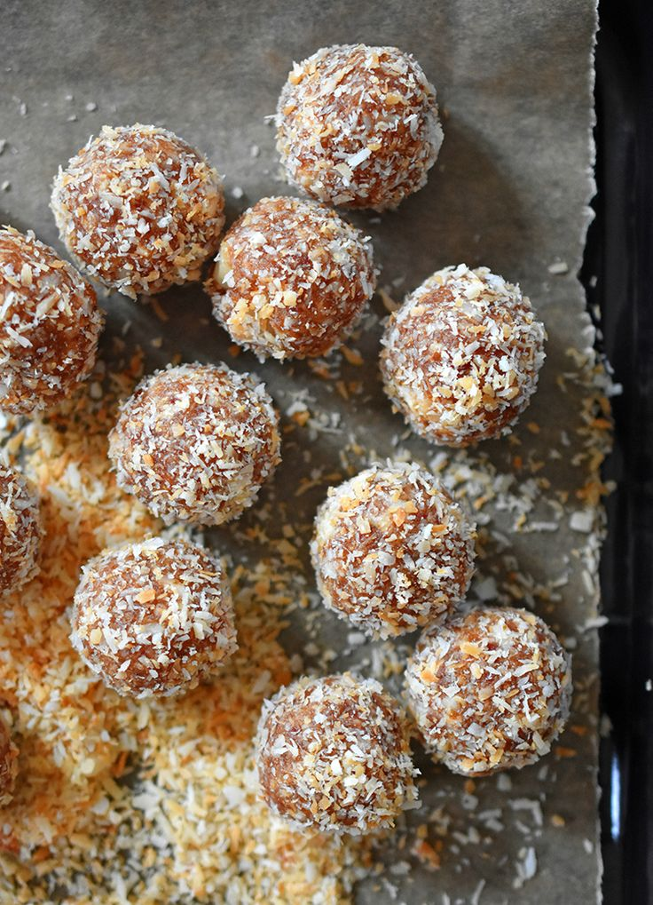 Balls. Balls, I tell you. BALLS. Liar Balls, to be precise.  Those of you who have thumbed all the way to page 252 of our first cookbook, Nom Nom Paleo: Food For Humans, may remember our Liar Bars. Th