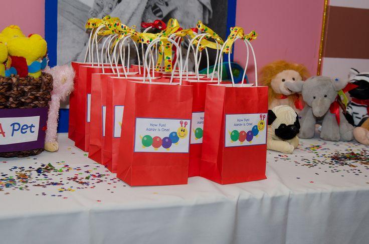 Party favors baby einstein themed 1st birthday party for Baby einstein decoration