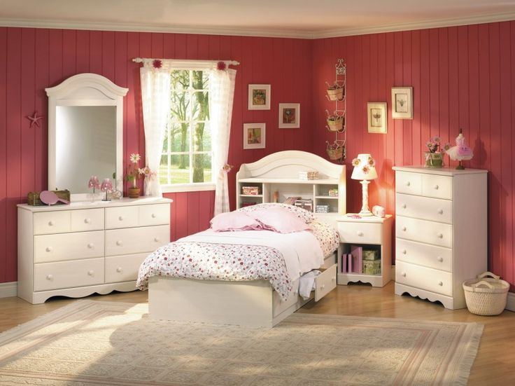kids room, Kids Bedroom Sets Design Ideas With Kids Room Furniture Ideas With Red Wood Wall Design Ideas For Bedroom Interior Design Ideas With White Chest Of Drawer With Wooden Flooring And Carpet Flooring Ideas: Simple and Creative Kid's Bedroom Sets Ideas