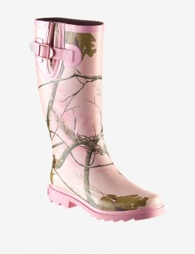 Realtree® Pink Camo Rain Boot. I could wear these!