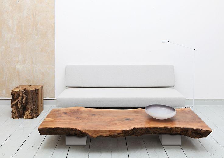 Couchtisch-Platane-Hocker-Robinie - uniic | Einzigartig in Holz
