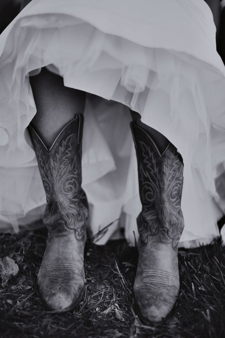 Cowboy Boots! (www.7centerpieces.com/country-austin-wedding-leigh-miller) | Leigh Miller Photography (leighmillerphotography.com)