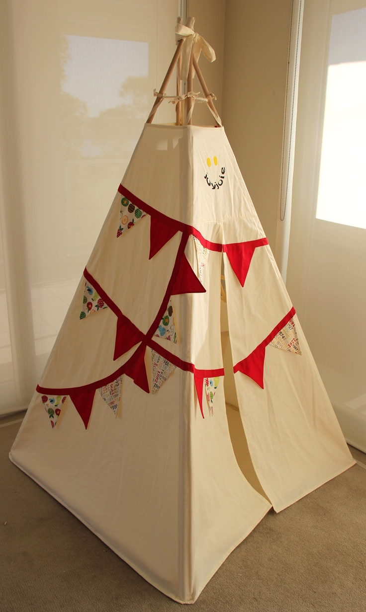 Bunting Teepee – Red trim