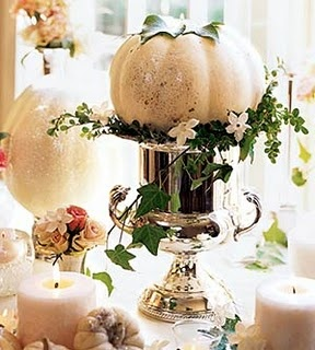 White pumpkin/silver container