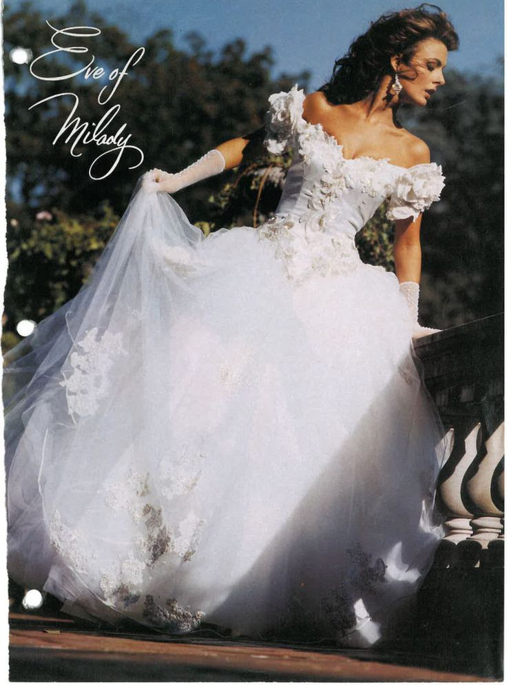 EVE OF MILADY 1991 WEDDING DRESS COMPLETE WITH VEIL