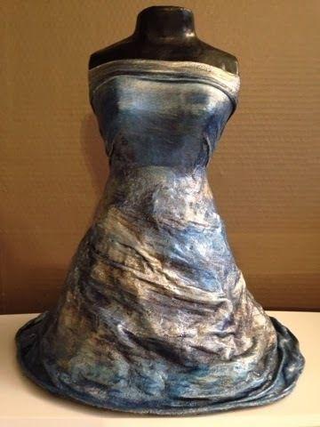Sculpture buste robe bleu.  Achetez en ligne. Prix 70,00 €