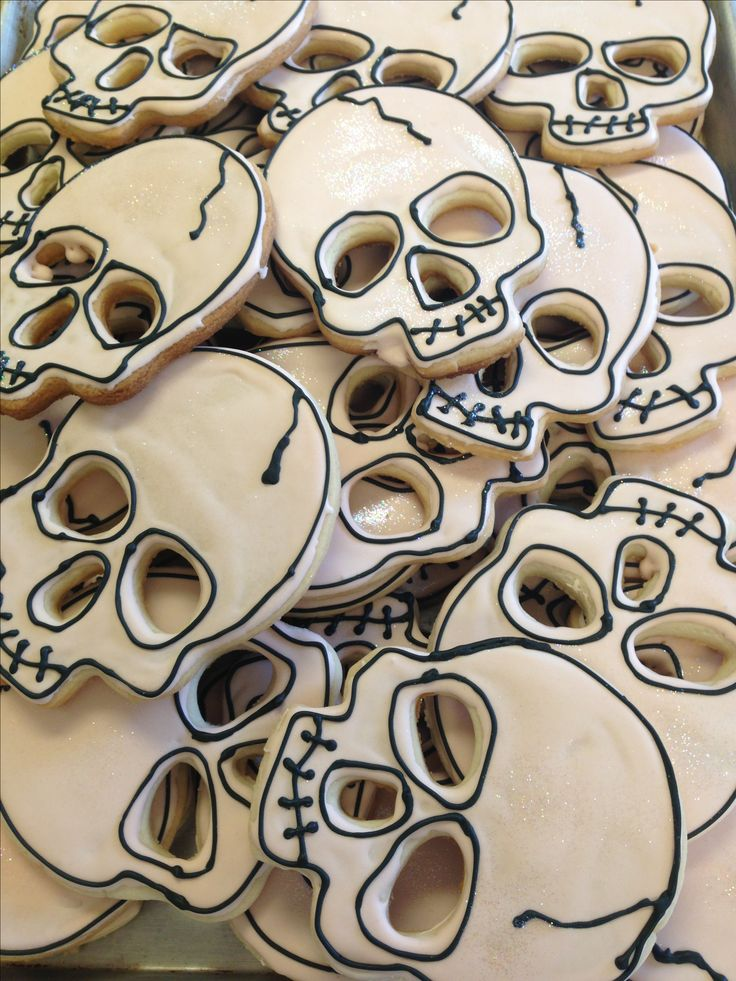 Skull Halloween sugar cookies. Gourmet Girls, Louisiana.                                                                                                                                                     More
