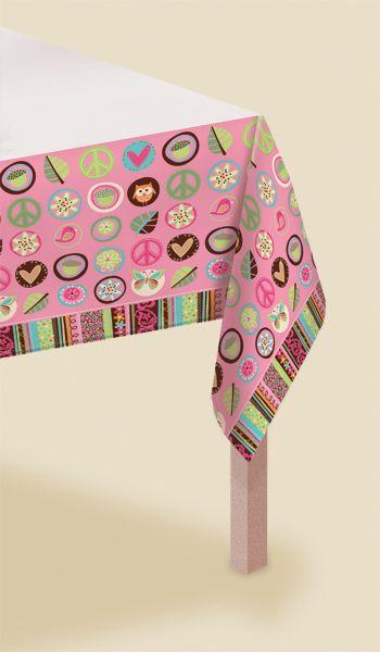 Obrus papierowy jednorazowy. Zadbaj o to, aby nawet w ogrodzie Twój stół wyglądał pięknie.