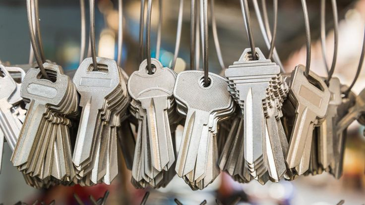 With all the master keys in hand a #locksmith expert must be well experienced in fixing locks of various types in several situations. Get your locksmith expert in #Sydney and suburbs by one call 9972-2670.