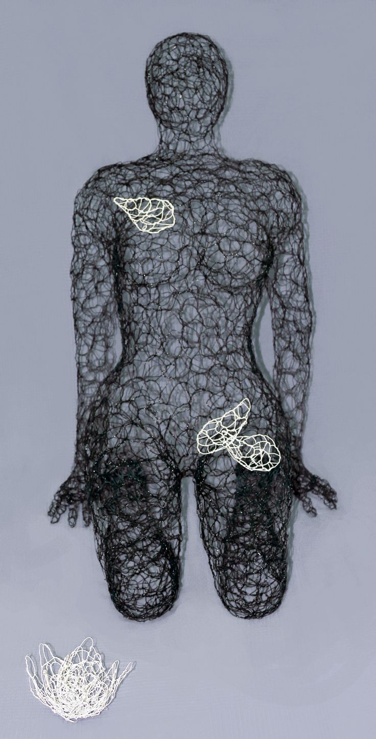Giuseppe Inglese, Nero carbone - Ninfea, scultura in acciaio inox intrecciato a mano verniciato, L56 H87 P76, 2016, Pezzo Unico